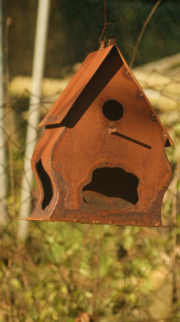 gartendeko shop vogel haus rost mit geschwungene seiten. Black Bedroom Furniture Sets. Home Design Ideas