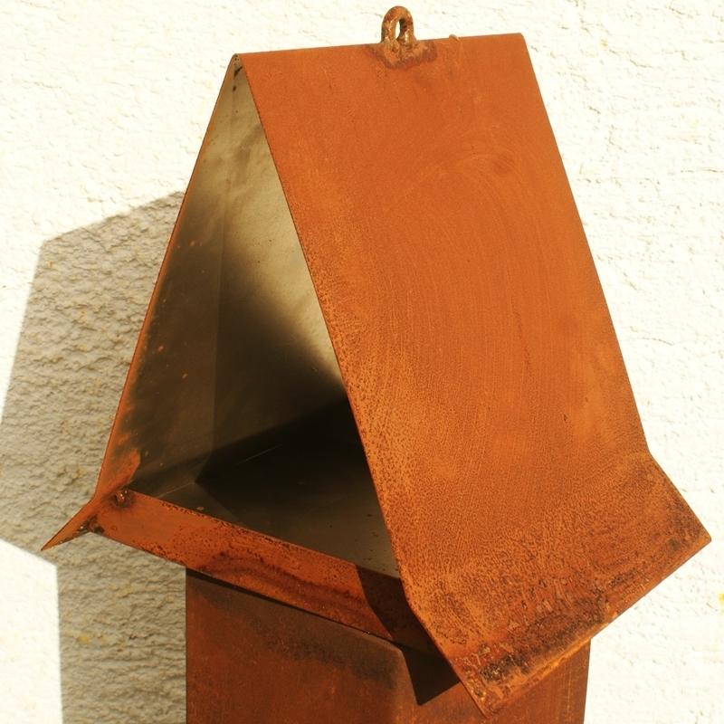 gartendeko shop vogel haus rost futterhaus. Black Bedroom Furniture Sets. Home Design Ideas