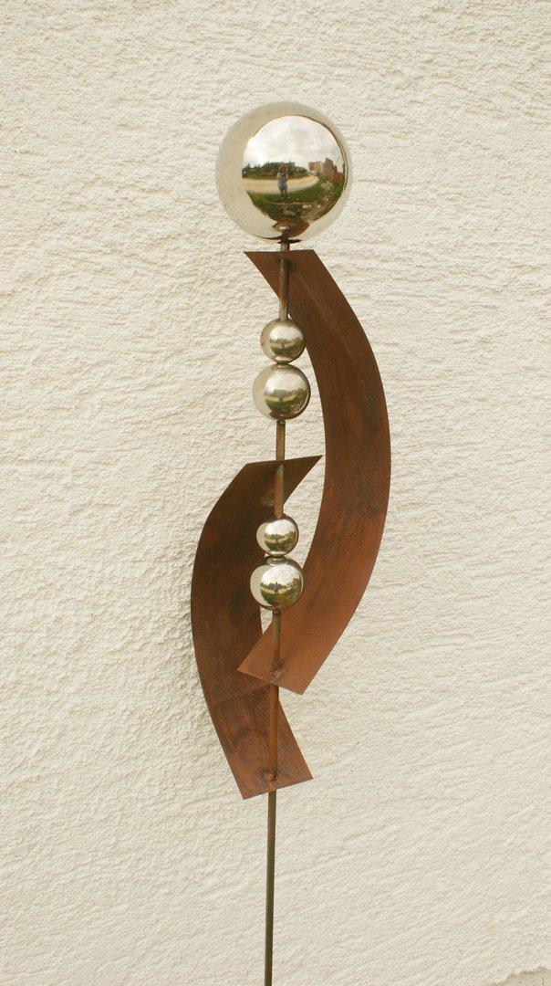 Gartendeko shop skulptur rost deko mit 5 edelstahlkugeln for Gartendeko rost stecker