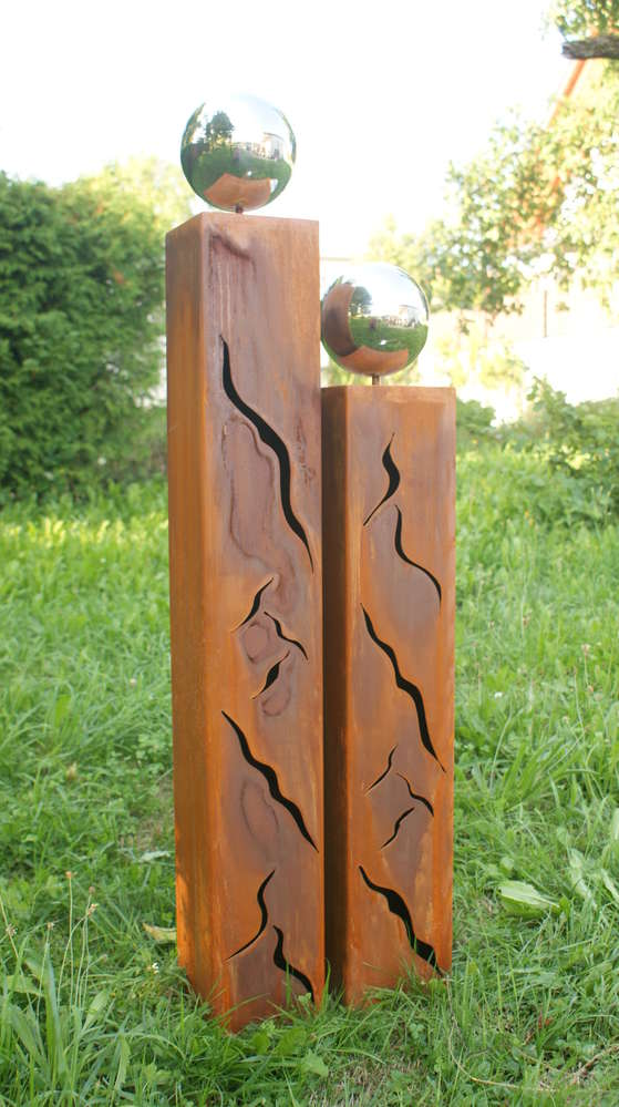 Gartendeko schöne Rostsäule Skulptur  mit Edelstahlkugel