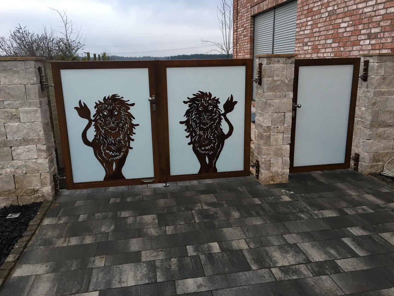 Rahmentor Mit Lowen Zaunelement Aus Rost Gartendeko Shop
